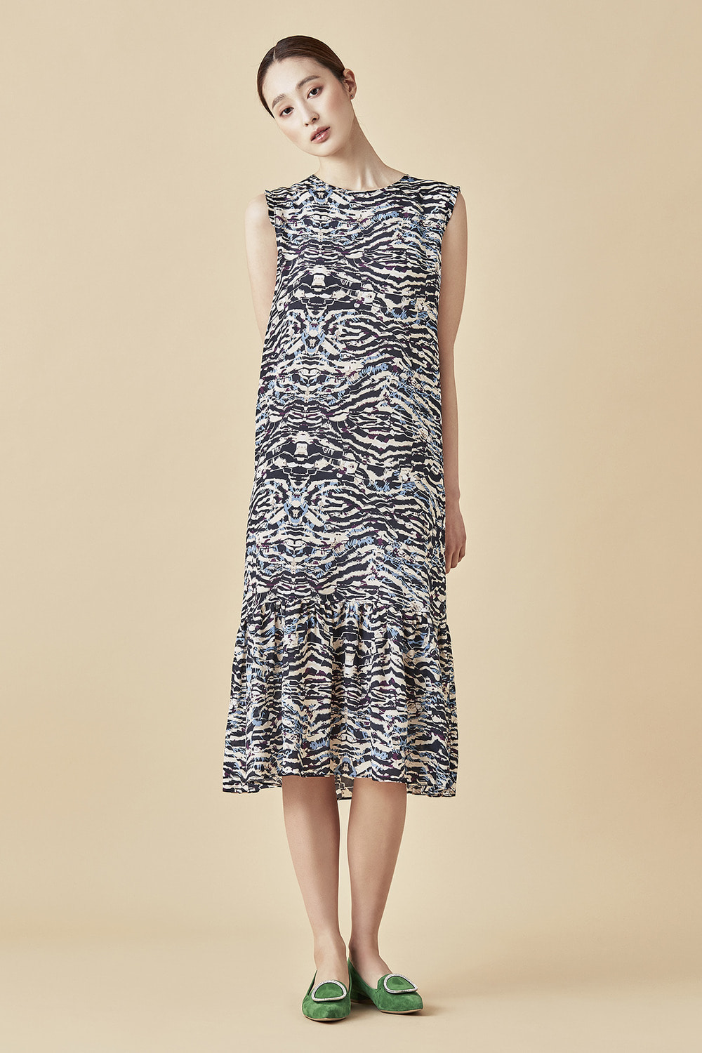 Graphic Pattern Shirring Dress