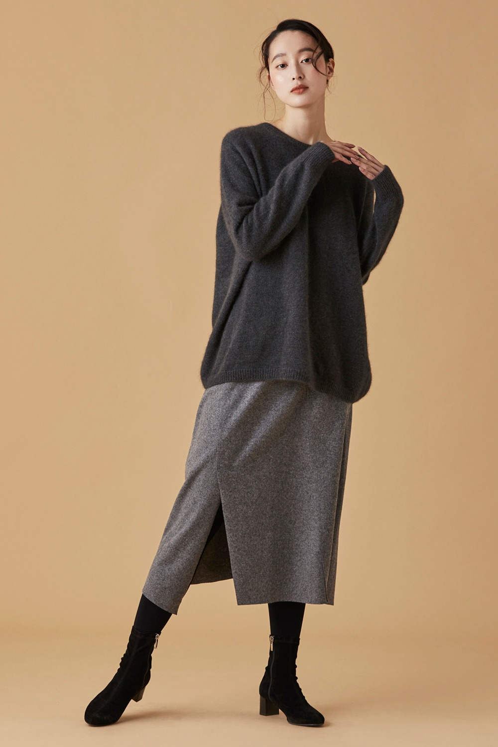 Unbalance Wool Skirt