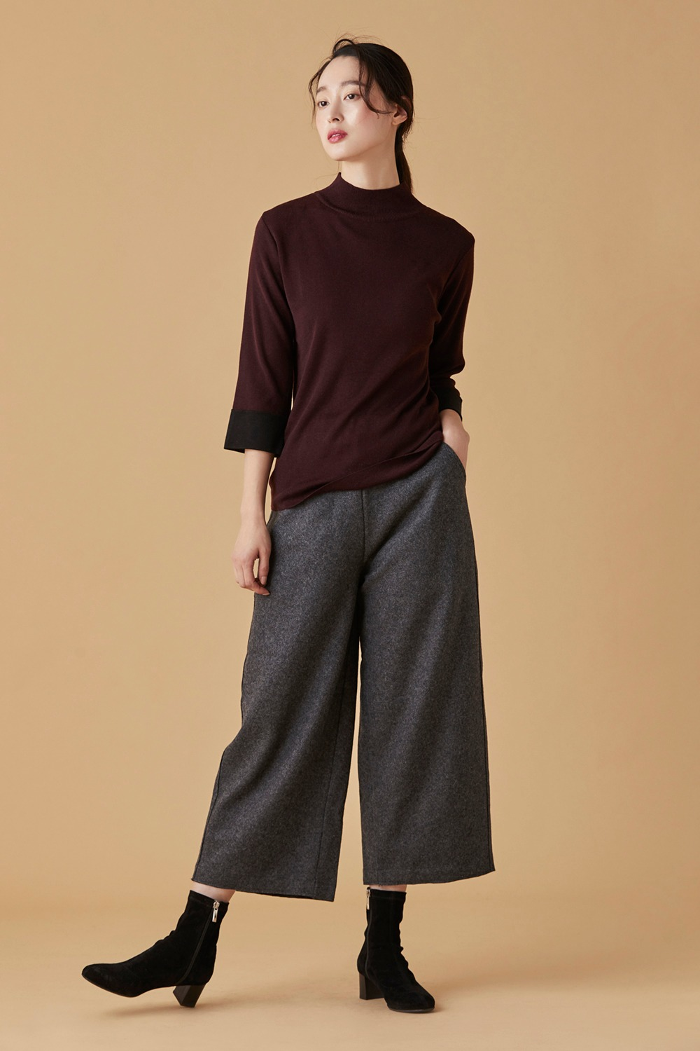 Classic Wool Cropped Pants