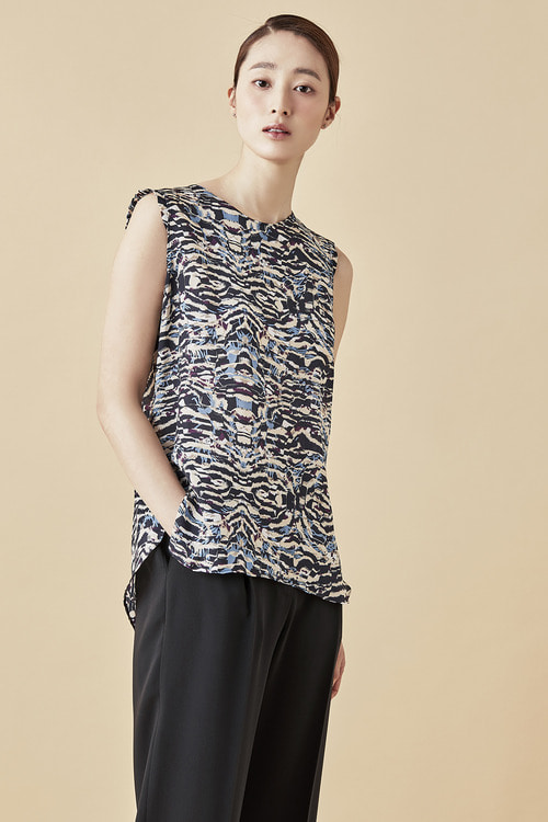 Graphic Pattern Sleeveless Top