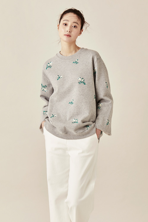 Embroidered Flower Bouquet Sweatshirt